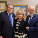 jim-bakker-show-mike-huckabee