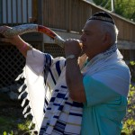 Lori's-House-Blowing-the-Shofar
