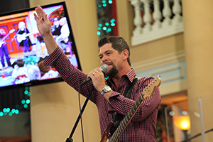 Jason Crabb Sings