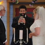 rabbi-jonathan-cahn-blessing-wine
