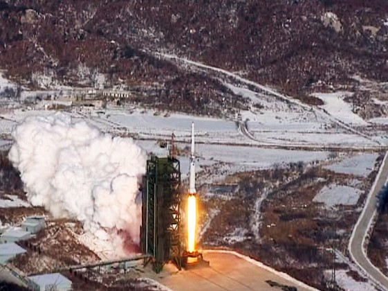 A video grab from KCNA shows the Unha-3 (Milky Way 3) rocket launching at North Korea's West Sea Satellite Launch Site in this video released by KCNA on December 13, 2012. REUTERS / KCNA