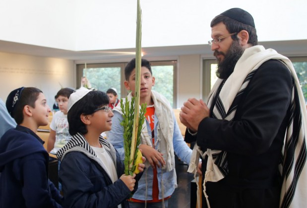 Pupils of the Lauder Chabad school