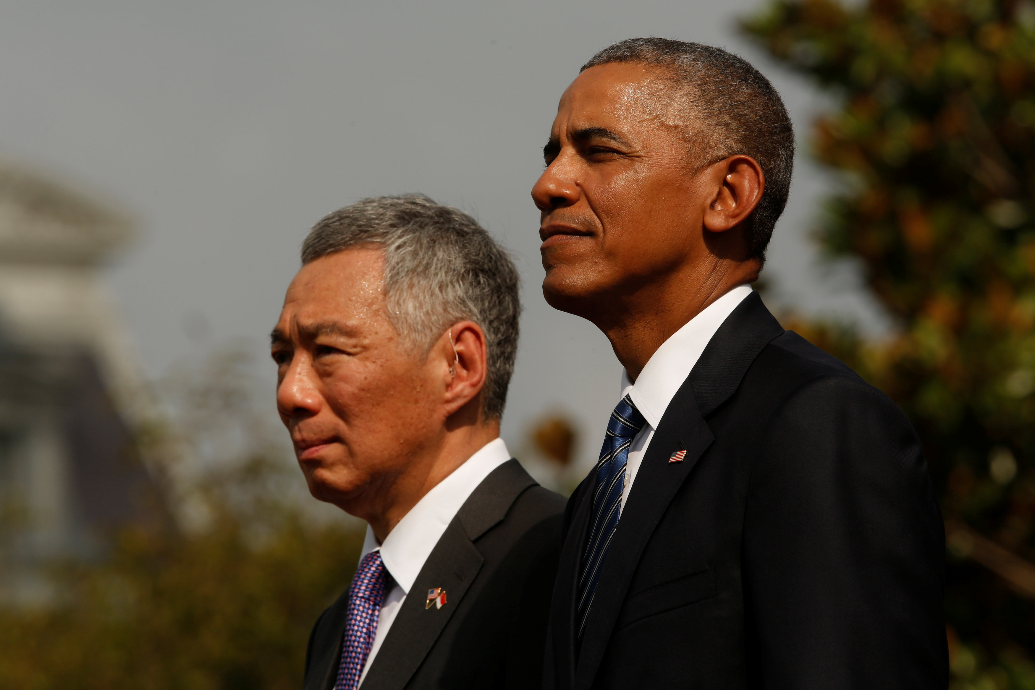 Obama and Loong discussing Trans-Pacific Deal
