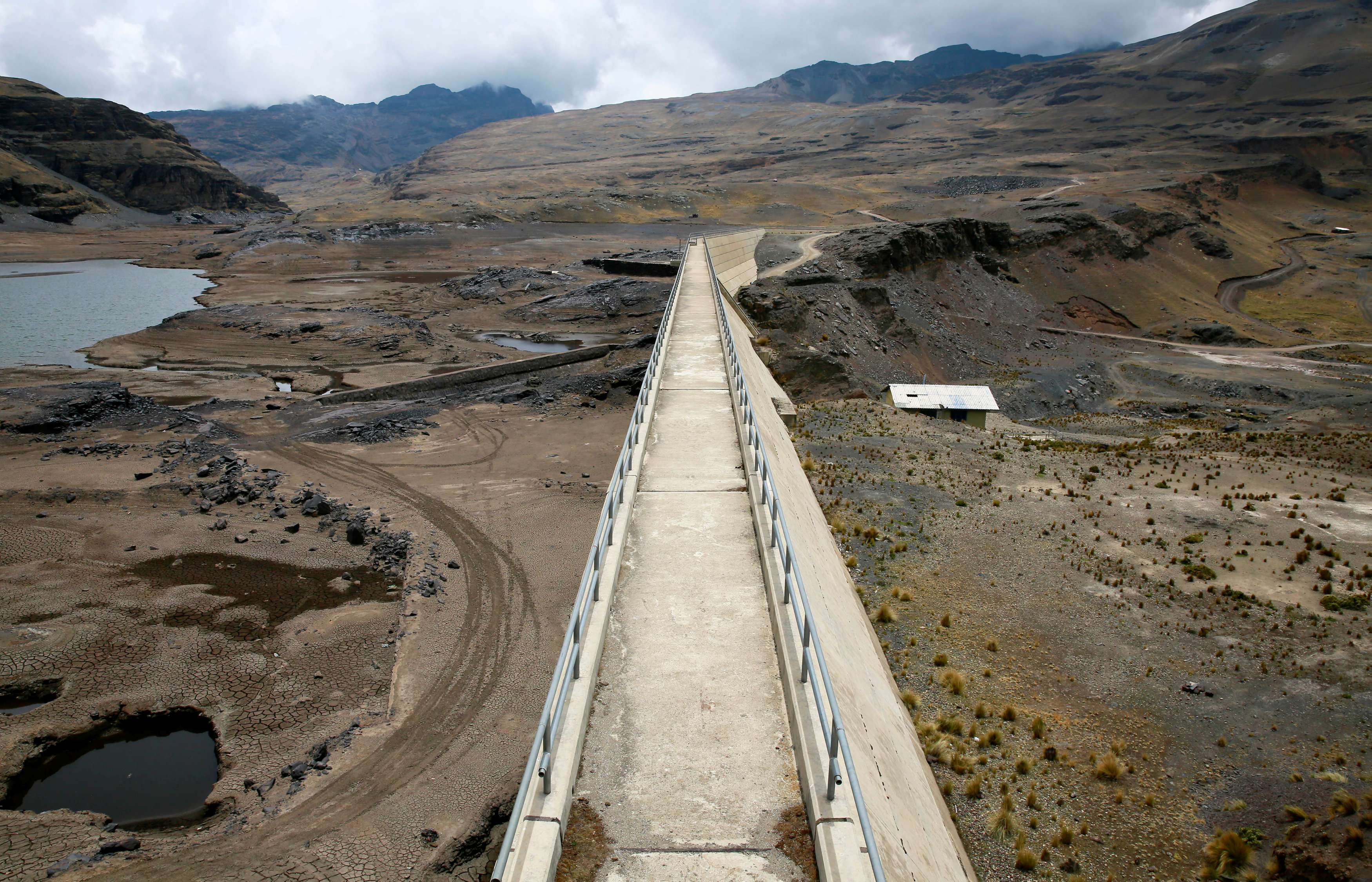 A general view of the dried Ajuan Khota dam, a water reserve affected by drought near La Paz, Bolivia,