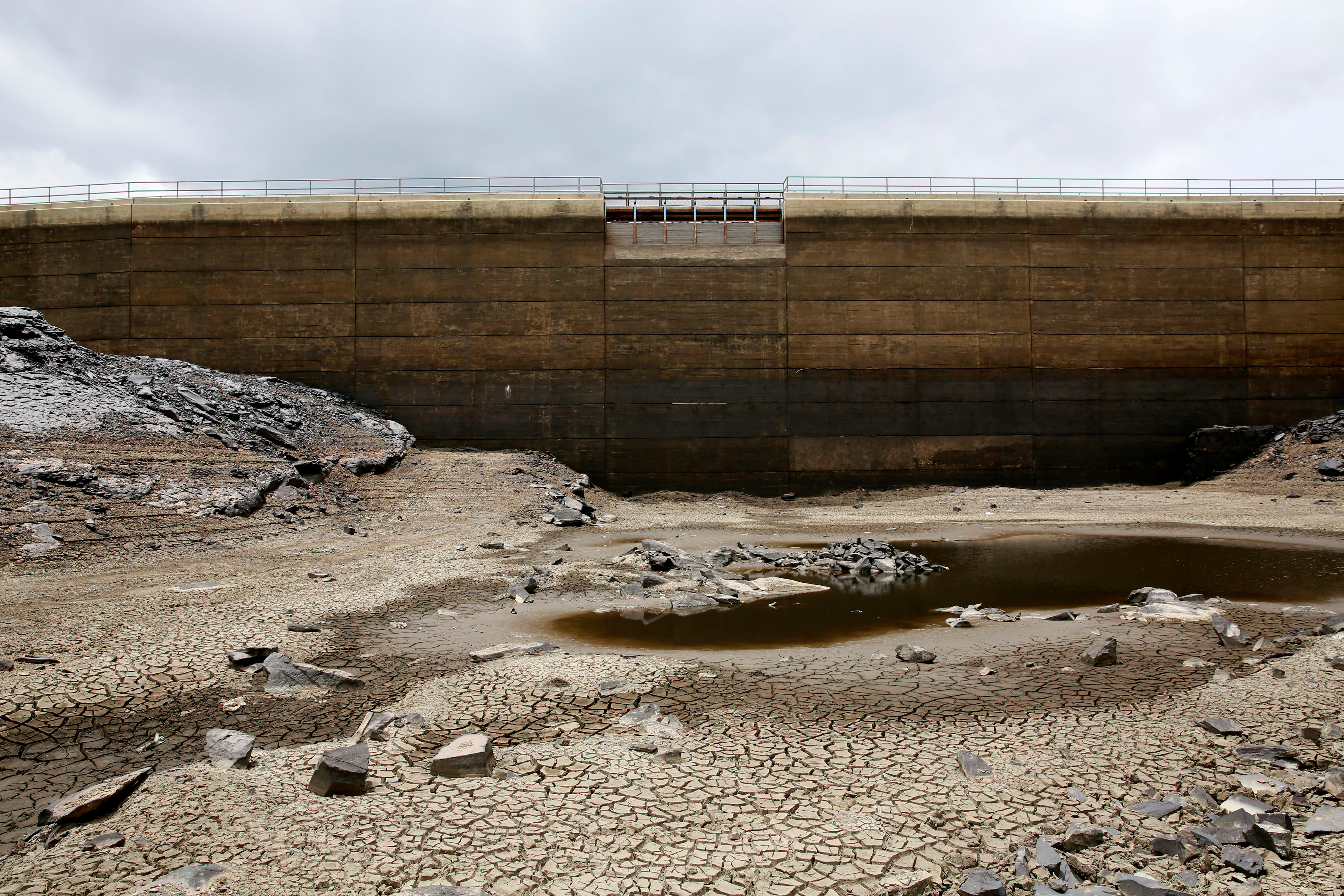 A view of the dried Ajuan Khota dam, a water reserve affected by drought near La Paz, Bolivia