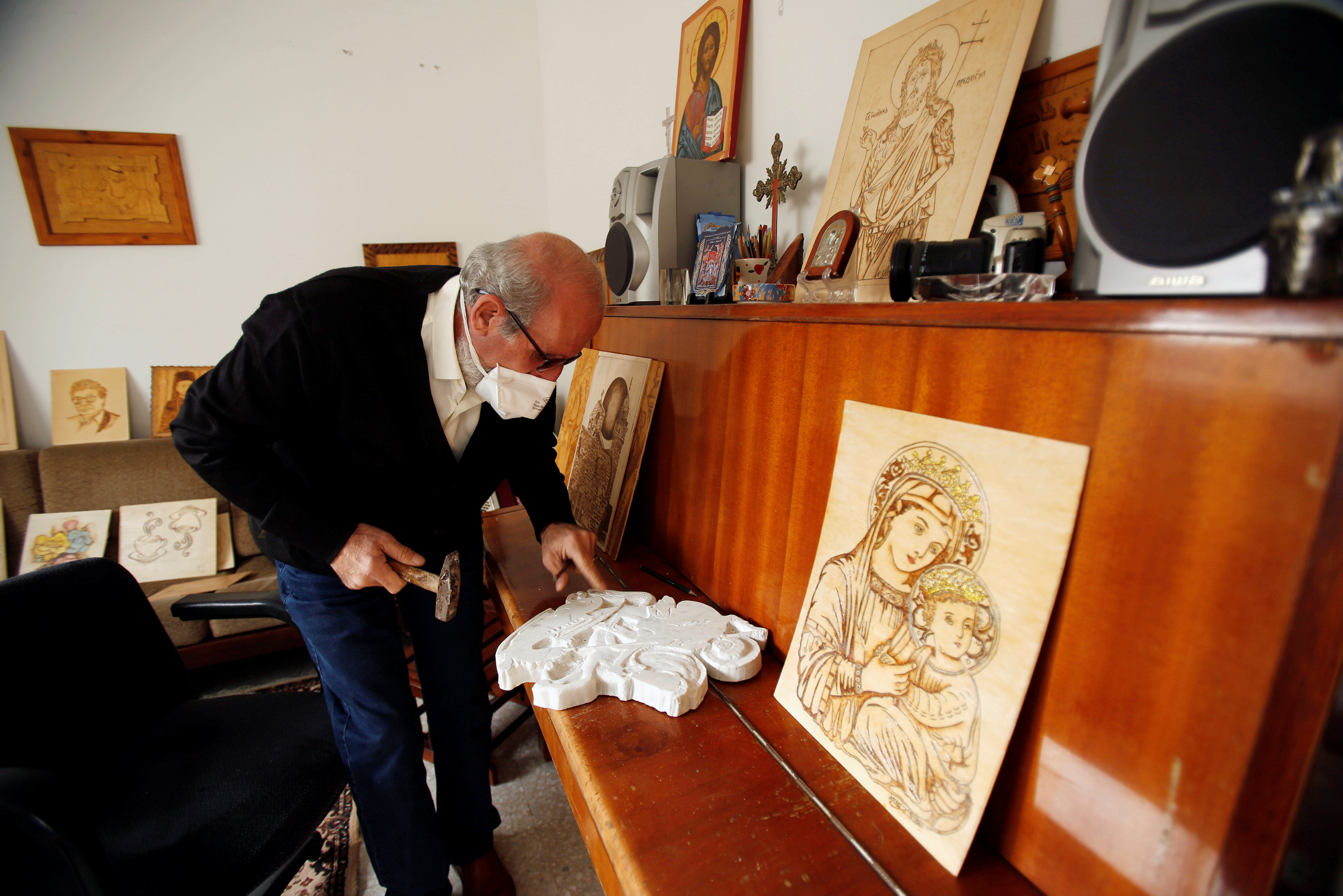 Christian artist Naser in Gaza