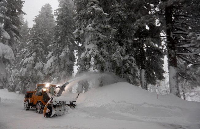 clearing snow from a driveway