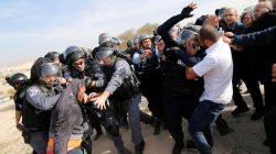 Arab Israelis clash with Israeli police