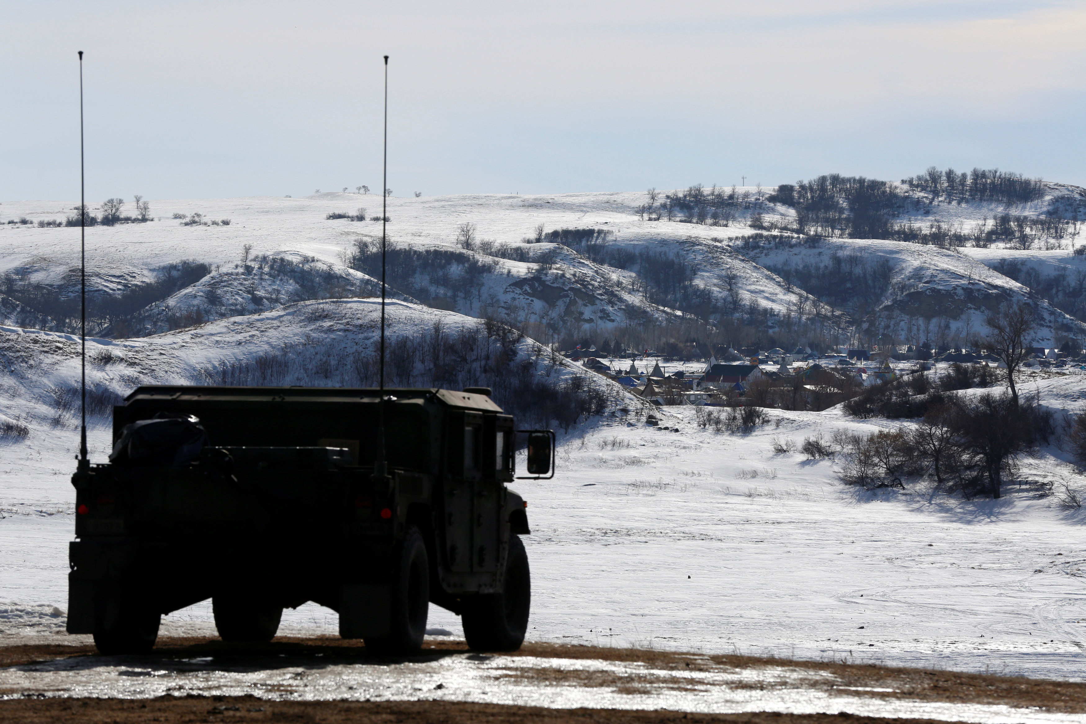 north dakota national guard near dakota access pipeline