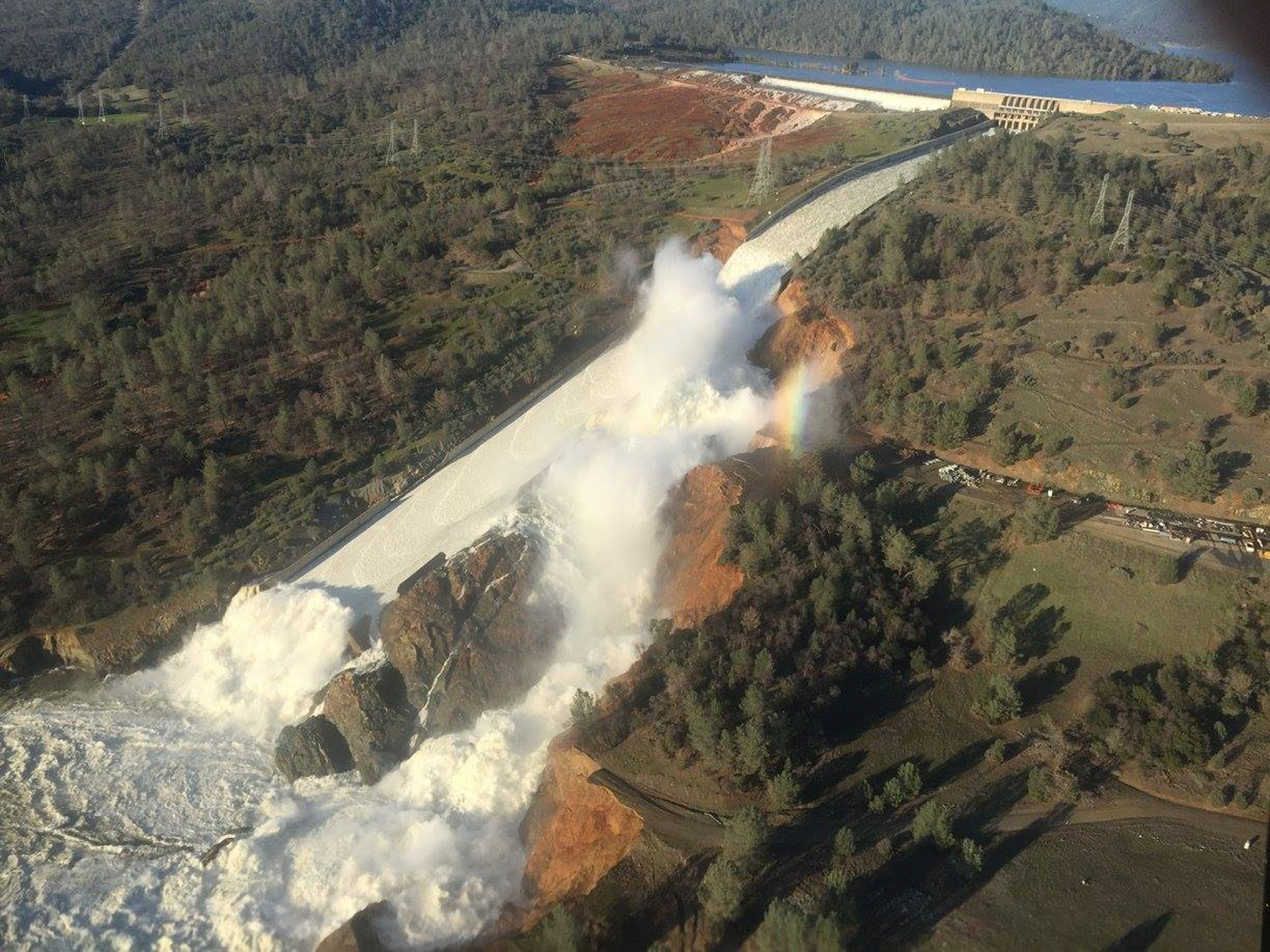 Oroville Dam flooding in Calfornia