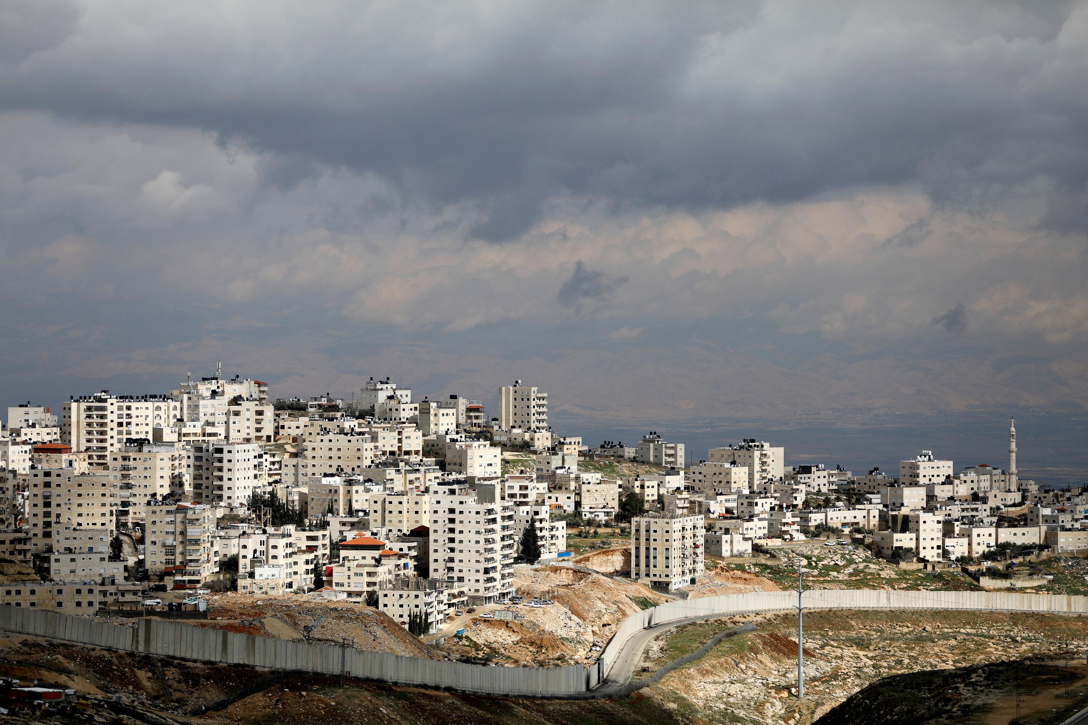 Israeli barrier along East Jerusalem