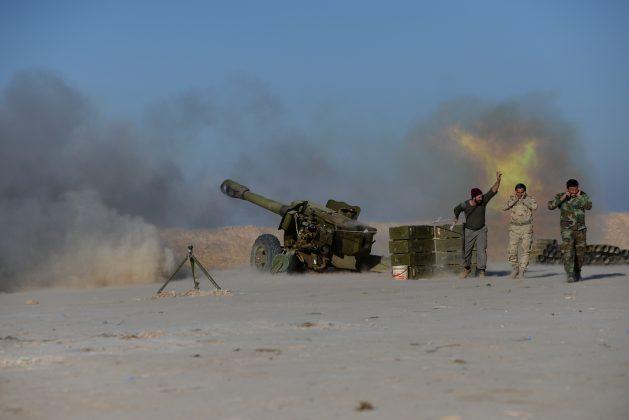 Iraqi forces fire toward Islamic State in Mosul