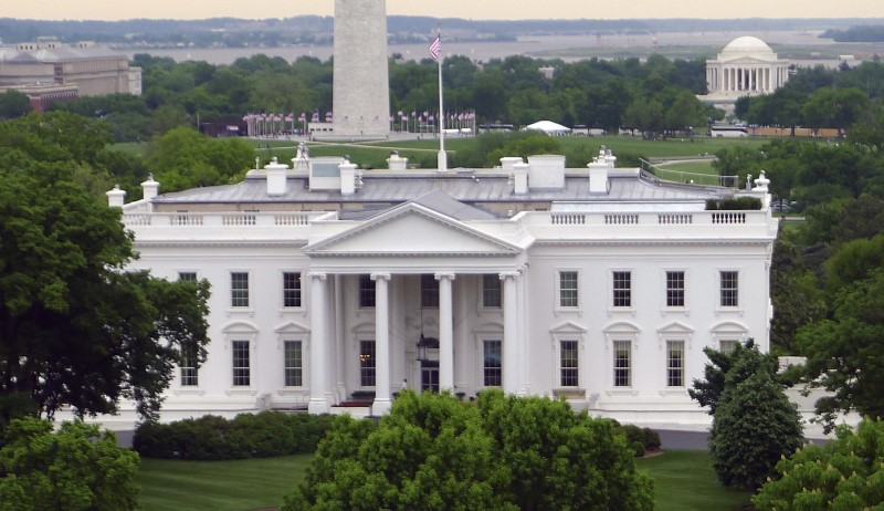 Man arrested after threatening to kill 'all white police' at White House