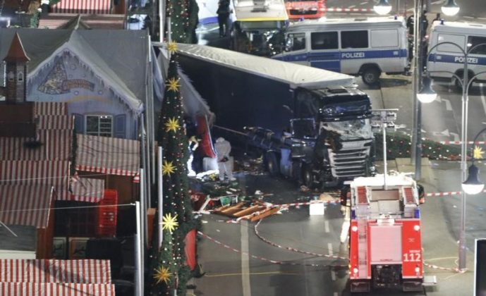 FILE PHOTO: A general view shows the site where a truck ploughed through a crowd at a Christmas market on Breitscheidplatz square near the fashionable Kurfuerstendamm avenue in the west of Berlin, Germany, December 19, 2016 REUTERS/Pawel Kopczynski