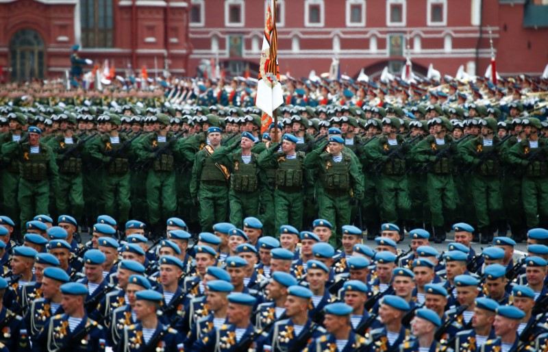 Moscow - Russia - 09/05/2017 - Russian servicemen march during the parade marking the World War II anniversary in Moscow. REUTERS/Maxim Shemetov