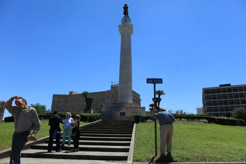 The Robert E. Lee Monument, located in Lee Circle in New Orleans. REUTERS/Ben Depp