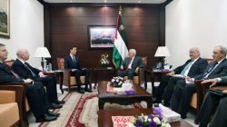 Palestinian President Mahmoud Abbas meets with White House senior advisor Jared Kushner in the West Bank City of Ramallah June 21, 2017. Thaer Ghanaim/PPO/Handout via REUTERS