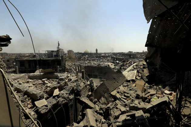 Destroyed buildings from clashes are seen in the Old City of Mosul, Iraq July 10, 2017. REUTERS/Thaier Al-Sudani
