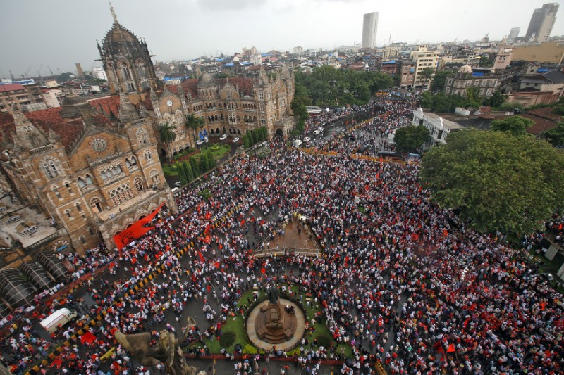 Thousands of protesters disrupt traffic in India's financial capital