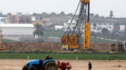 FILE PHOTO - Heavy machinery can be seen at work along Israel's border with the Gaza Strip, as seen from Kfar Aza, southern Israel February 28, 2017. REUTERS/Amir Cohen/File Photo