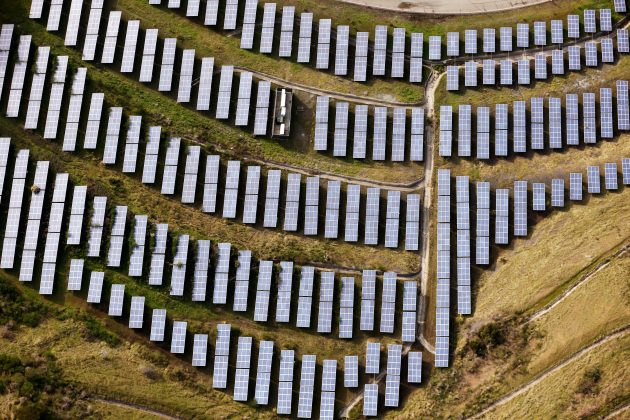 FILE PHOTO -- An array of solar panels are seen in Oakland, California, U.S. on December 4, 2016. REUTERS/Lucy Nicholson/File Photo