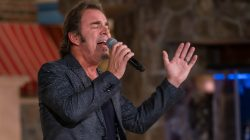 Journey's Jonathan Cain on the Jim Bakker show