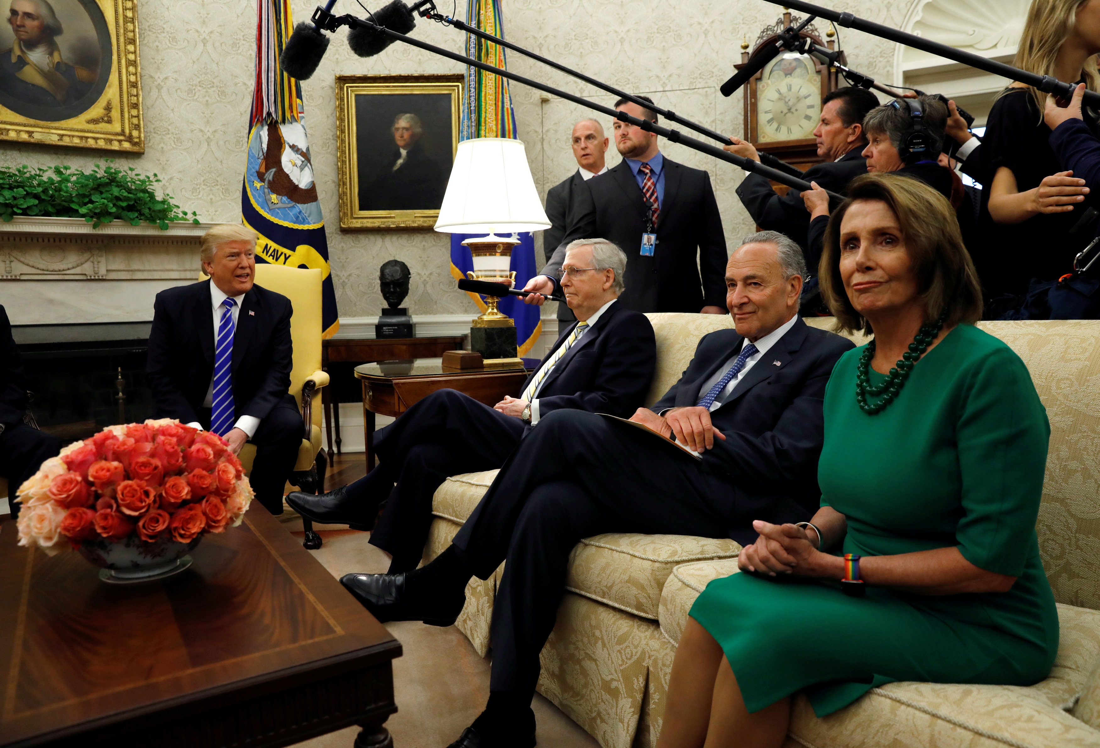 U.S. President Donald Trump meets with Senate Majority Leader Mitch McConnell (L), U.S. Senate Democratic Leader Chuck Schumer (2nd R), House Minority Leader Nancy Pelosi (R) and other congressional leaders in the Oval Office of the White House in Washington, U.S., September 6, 2017. REUTERS/Kevin Lamarque