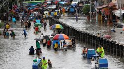 Battered by cyclone, Philippines suffers flooding, landslides