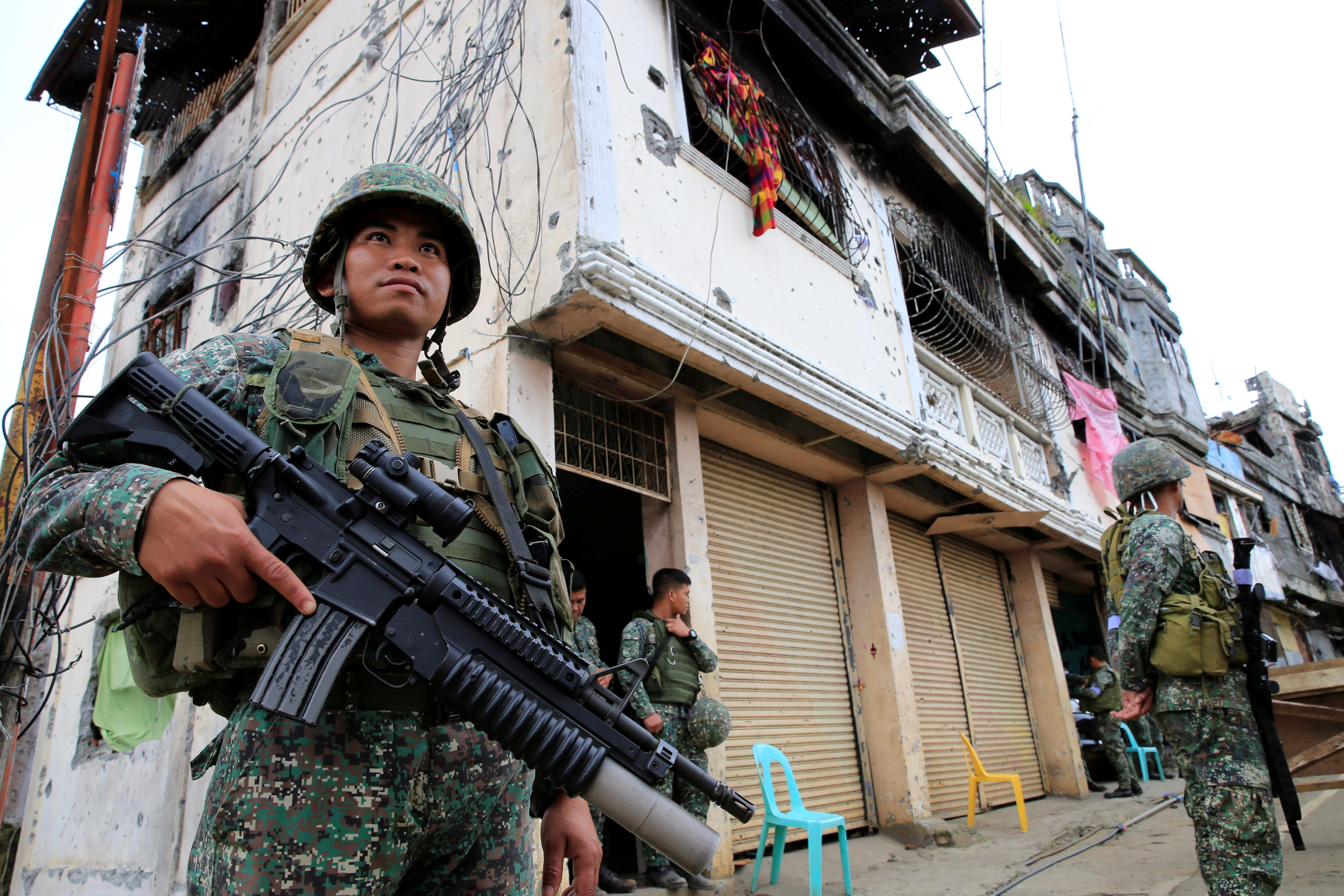 One week to cross a street: how IS pinned down Filipino soldiers in Marawi