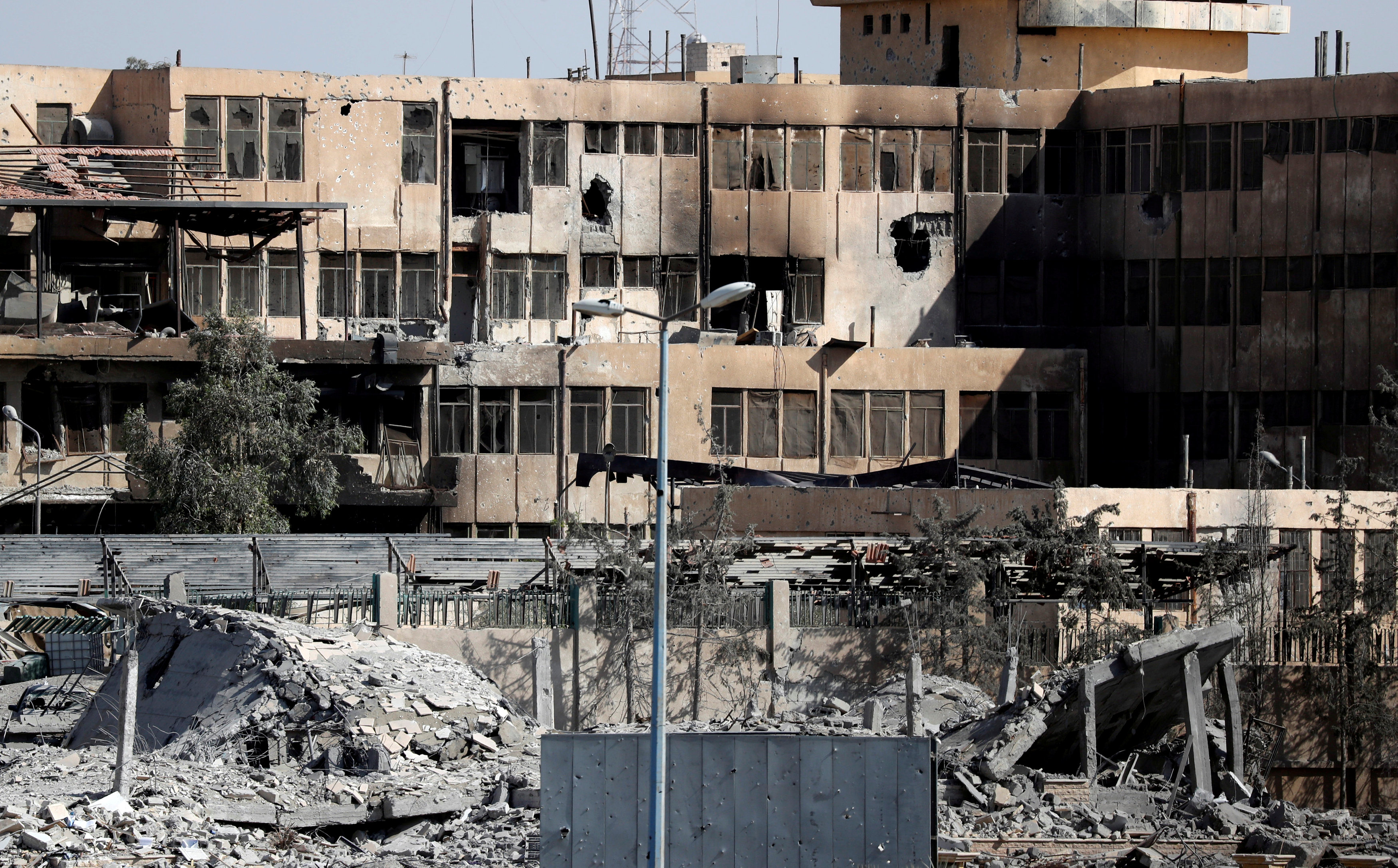 A view of Raqqa's National Hospital, last stronghold of the Islamic State militants, in Raqqa, Syria September 30, 2017. REUTERS/Erik De Castro