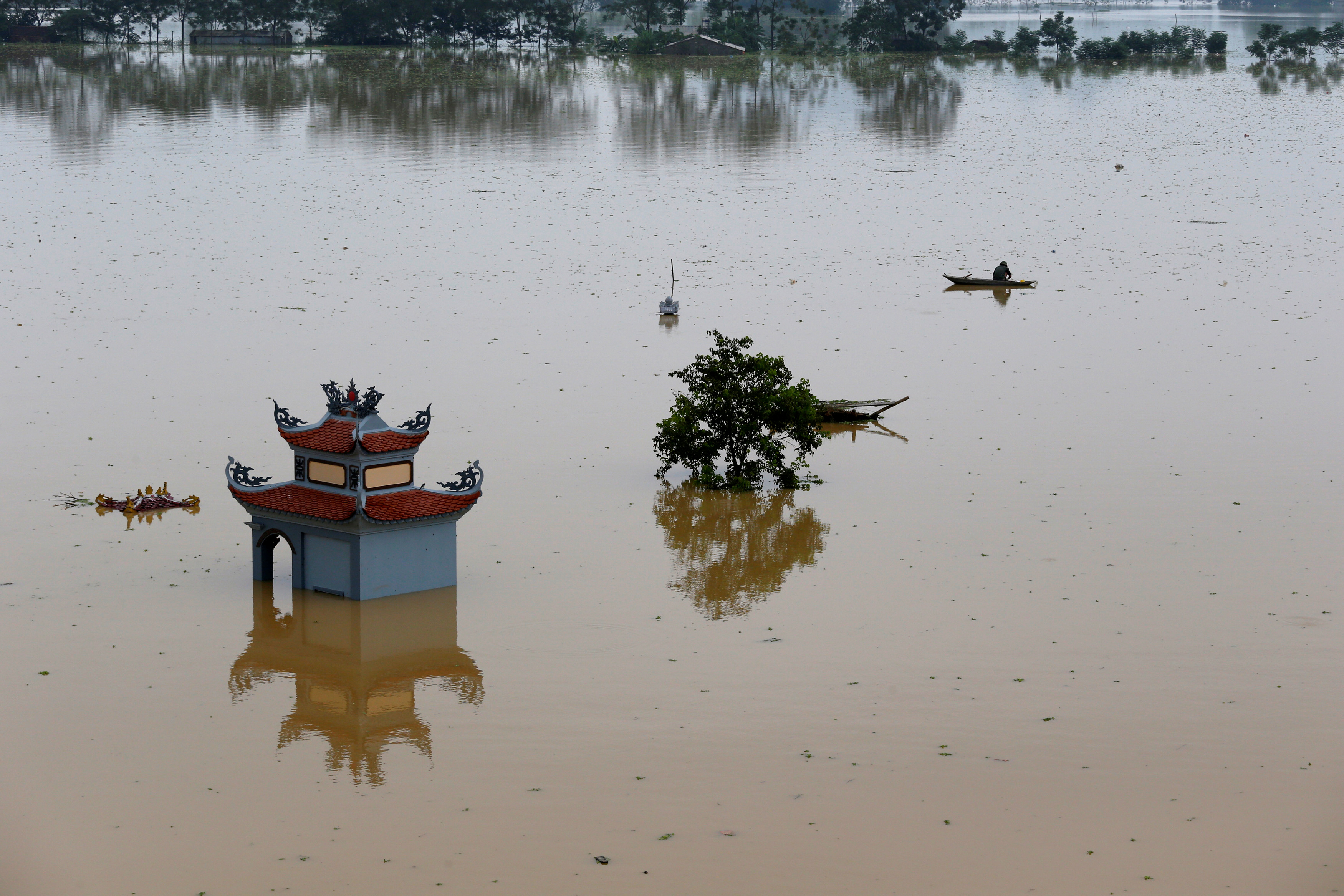 Death toll from worst Vietnam floods in years rises to 54