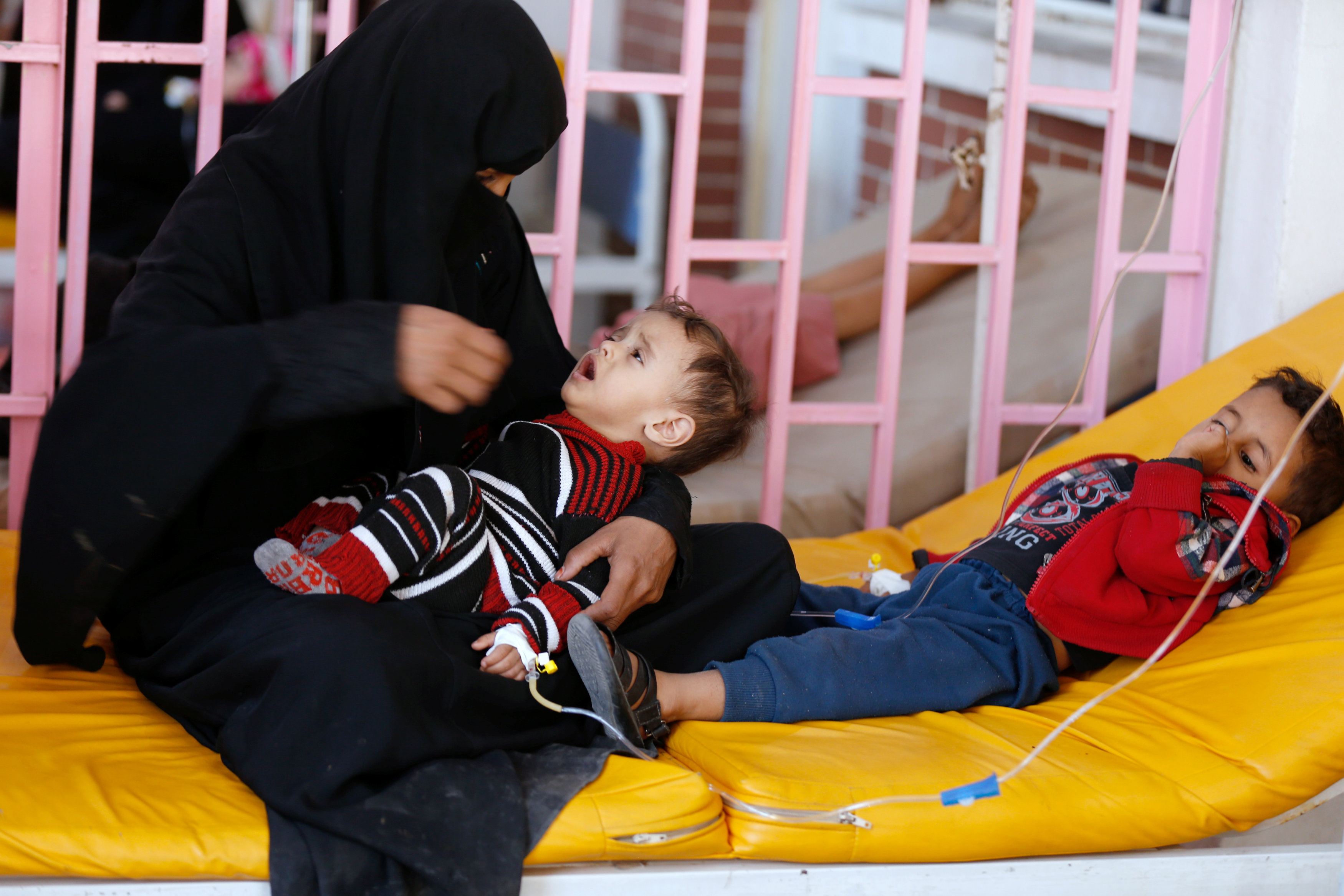 MSF says closing most cholera centers in Yemen as epidemic wanes