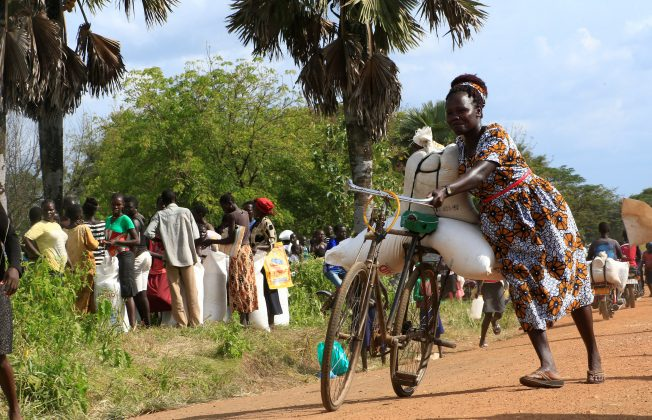 Hungry South Sudanese refugees risk death in return home for food