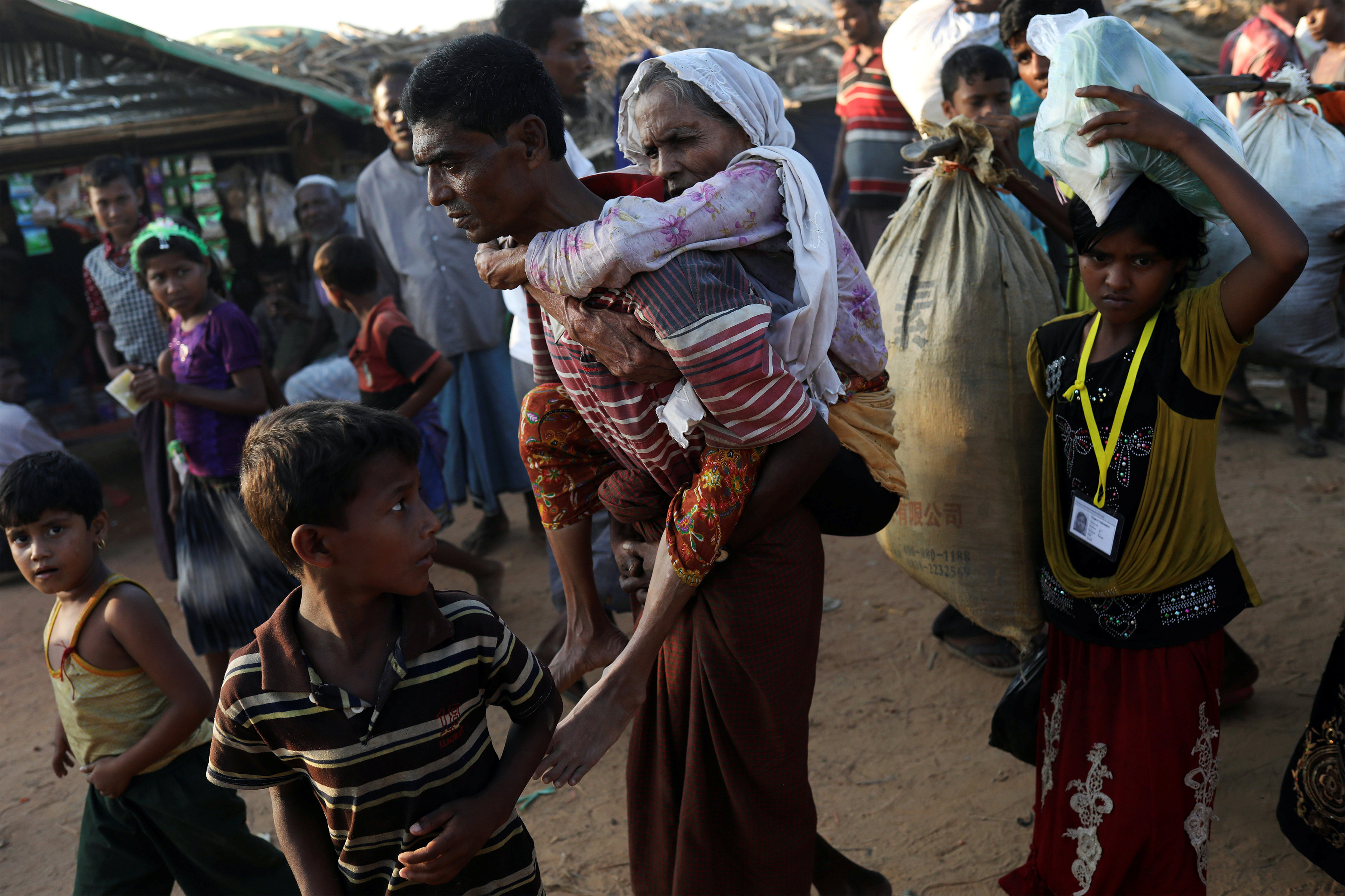 U.S. Congress members decry 'ethnic cleansing' in Myanmar; Suu Kyi doubts allegations