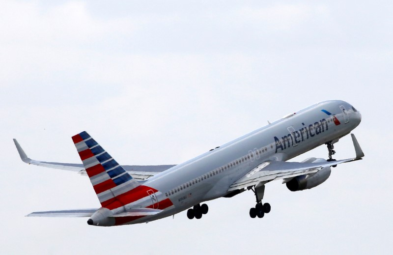Scheduling glitch leaves thousands of American Air flights in December pilotless