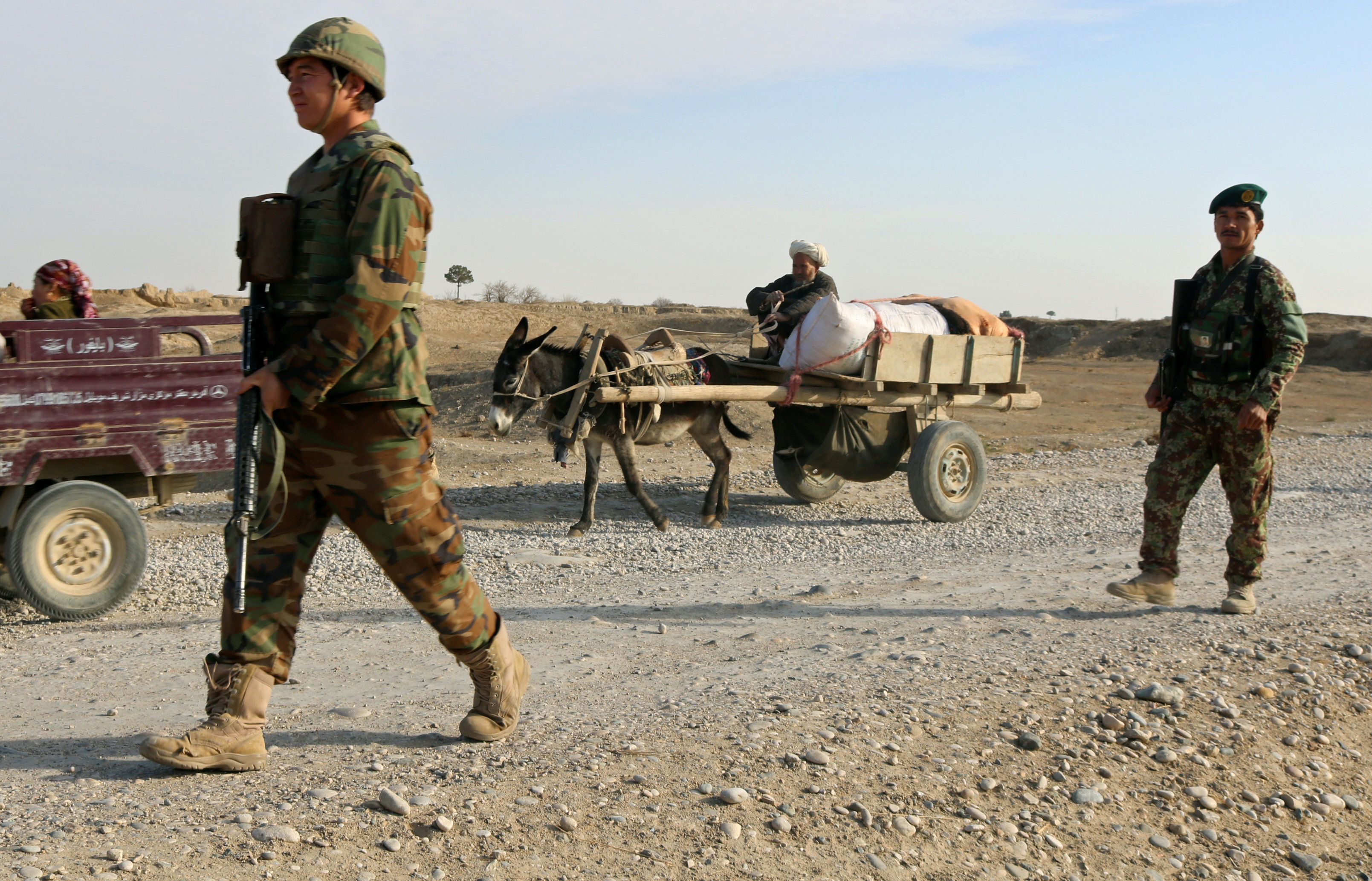 Islamic State seizes new Afghan foothold after luring Taliban defectors
