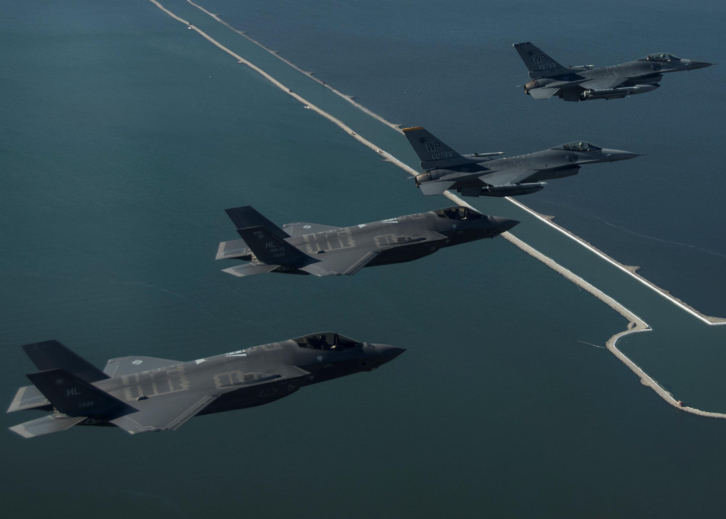 B-1B bomber joins U.S.-South Korea drills as tensions escalate