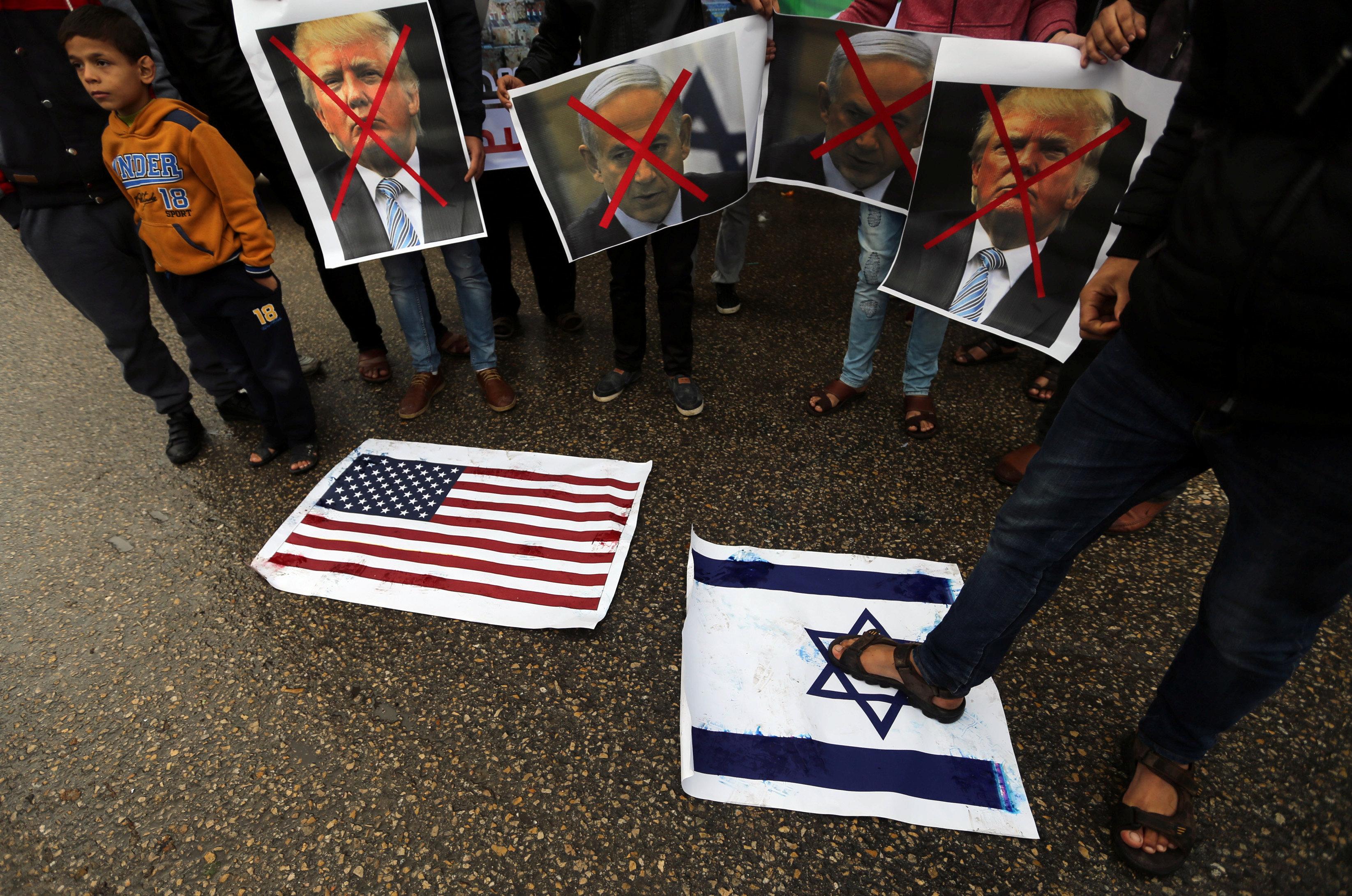 Frustration and fury among Arabs at Trump's Jerusalem declaration