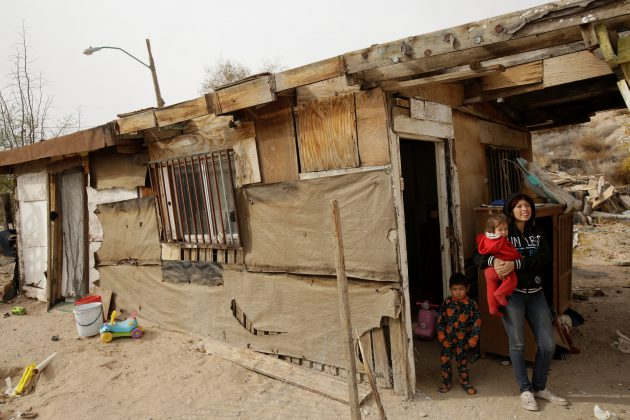 Checks for free: a Mexican plan to combat poverty