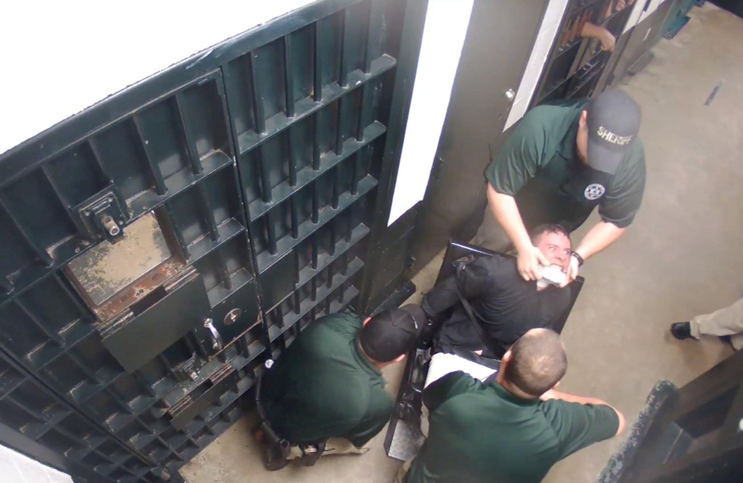 Exclusive: U.N. watchdogs call for probe of Taser assaults in U.S. jails