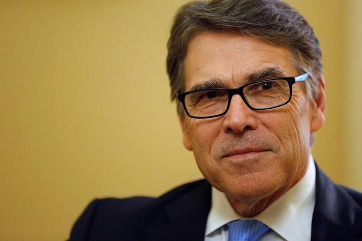Former Texas Governor Rick Perry, U.S. President-elect Donald Trump's pick to lead the Department of Energy, meets with Senate Majority Leader Mitch McConnell (R-KY) on Capitol Hill in Washington, U.S. January 4, 2017. REUTERS/Jonathan Ernst