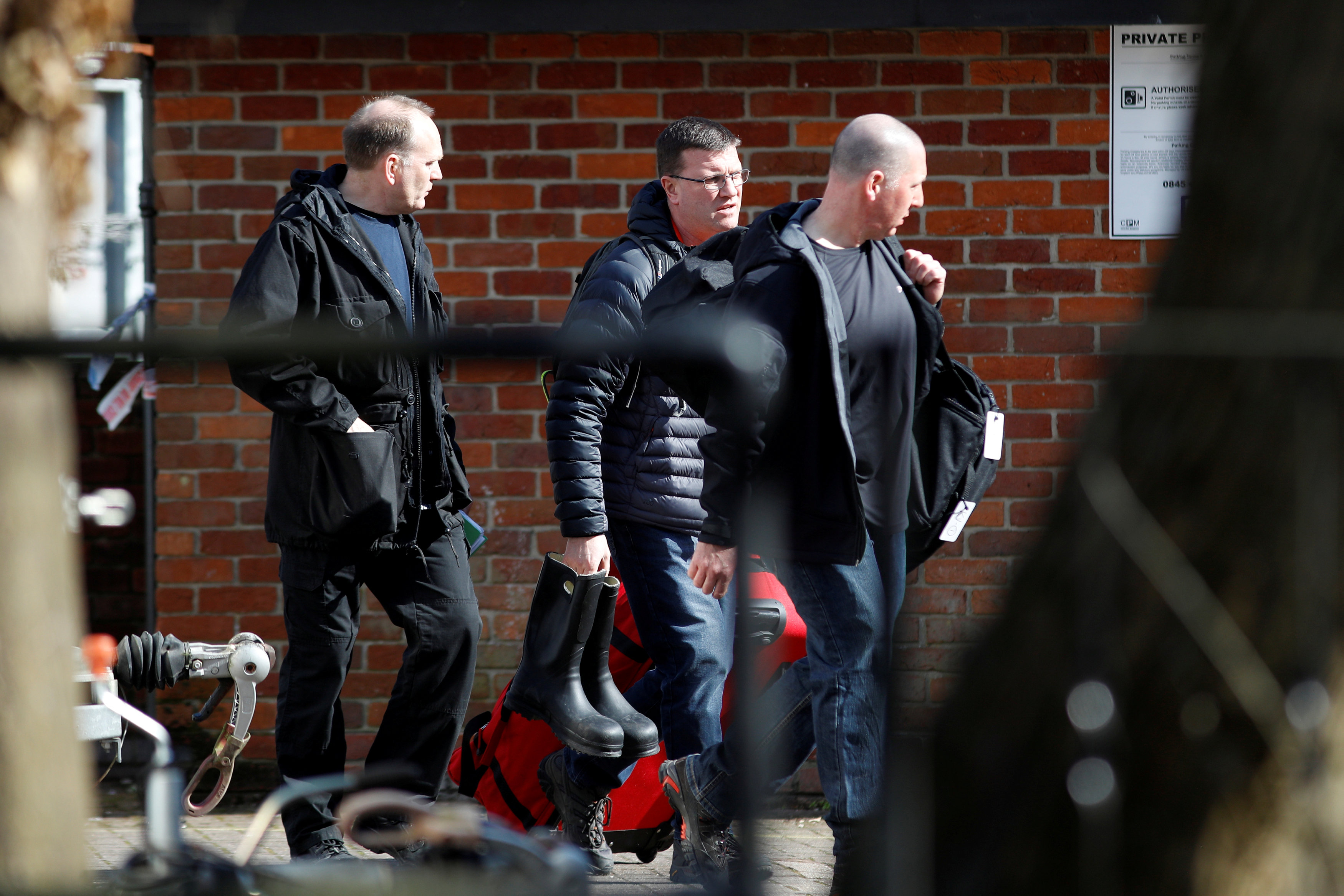 FILE PHOTO: Inspectors from the Organisation for the Prohibition of Chemical Weapons (OPCW) arrive to begin work at the scene of the nerve agent attack on former Russian spy Sergei Skripal, in Salisbury, Britain, March 21, 2018. REUTERS/Peter Nicholls/File Photo