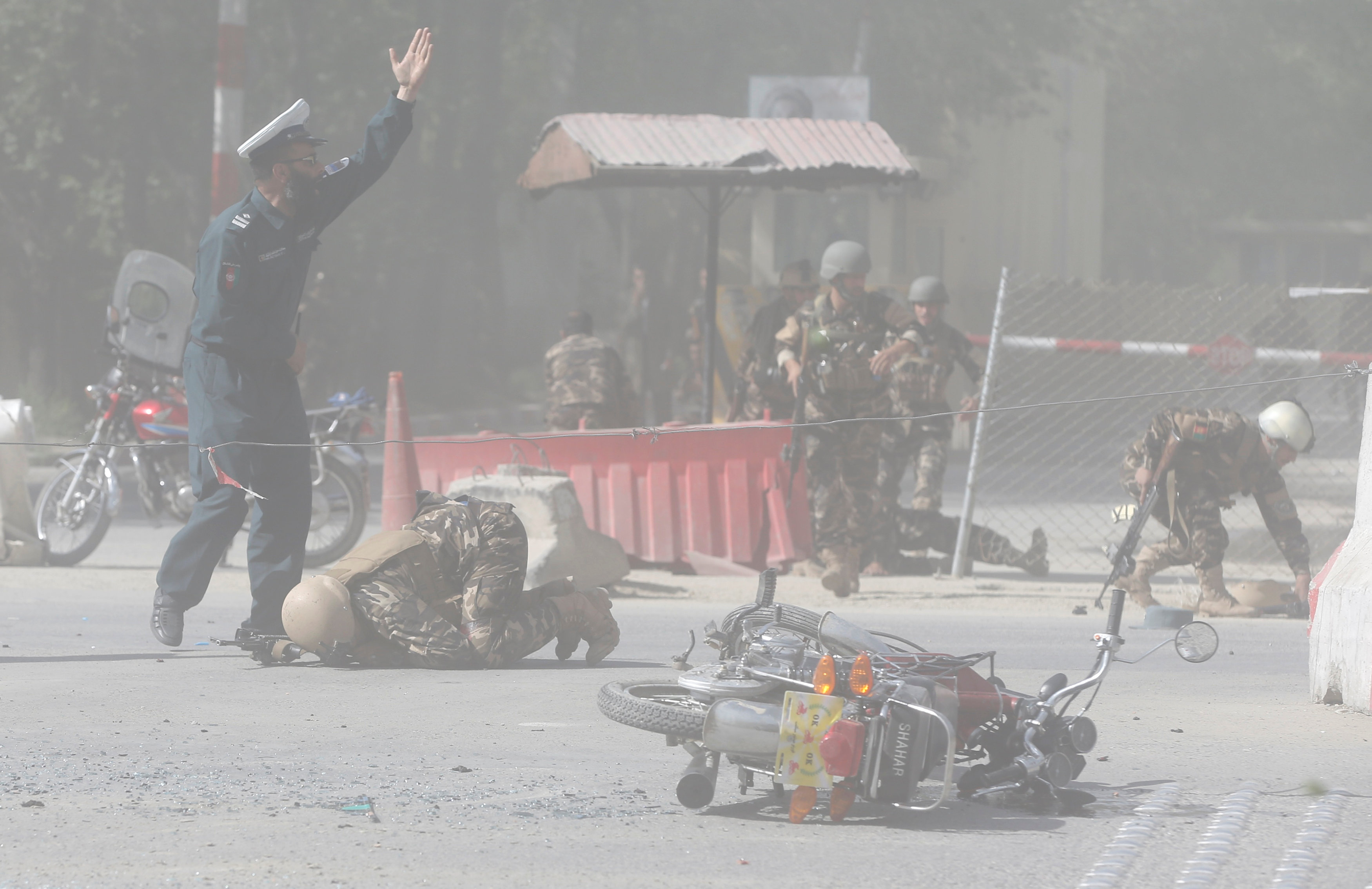 fghan security forces are seen at the site of a second blast in Kabul, Afghanistan April 30, 2018. REUTERS/Omar Sobhani