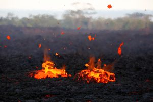 Lava erupts from a fissure on the outskirts of Pahoa May 14, 2018. REUTERS/Terray Sylvester