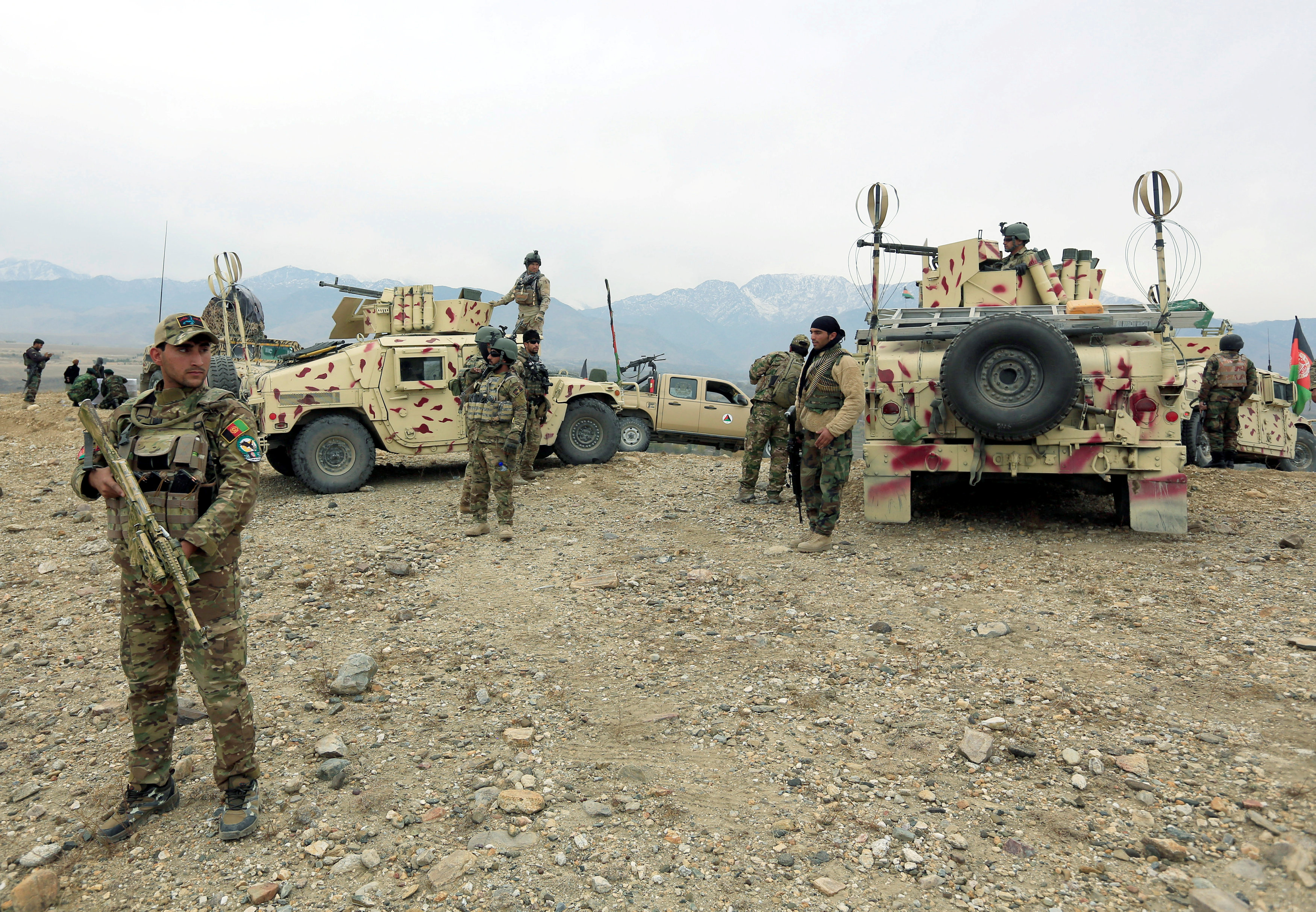 FILE PHOTO: Afghan National Army troops prepare for an operation against insurgents in Khogyani district of Nangarhar province, Afghanistan November 28, 2017. REUTERS/Parwiz/File Photo
