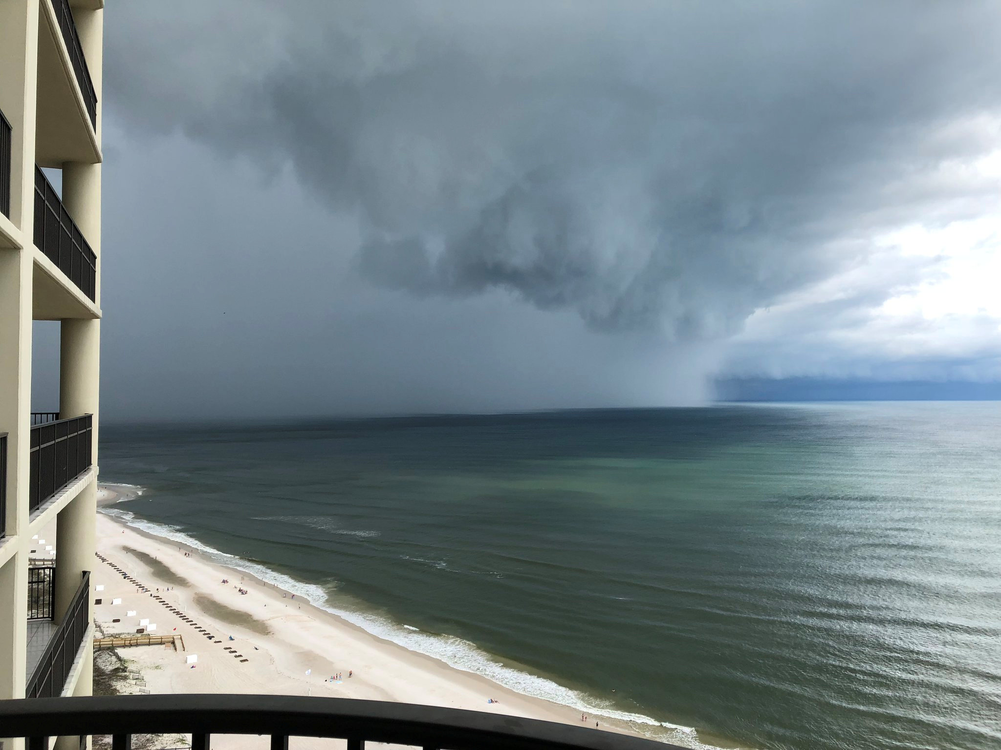 Subtropical Storm Alberto arrives at Orange Beach, Alabama, U.S., May 28, 2018, in this picture obtained from social media. David Green/@dsg_dukester/Twitter/via REUT