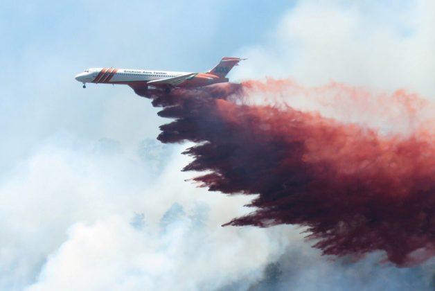 A plane drops fire-retardant chemicals on the 416 Fire near Durango, California, U.S. in this June 9, 2018 handout photo. La Plata County/Handout via REUTERS