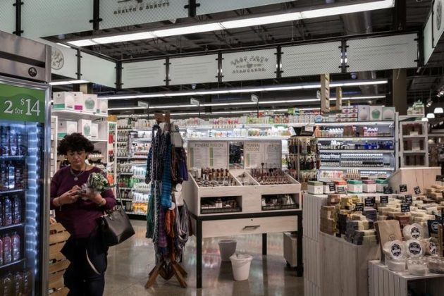 A woman shops in the Health & Beauty section of a Whole Foods in Upper St. Clair, Pennsylvania, U.S., February 15, 2018. Picture taken February 15, 2018. REUTERS/Maranie Staab