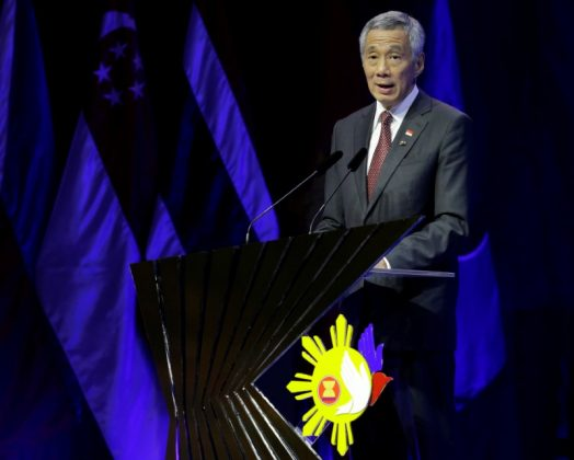 Singapore Prime Minister Lee Hsien Loong in Manila, Philippines November 14, 2017. REUTERS/Aaron Favila/Pool