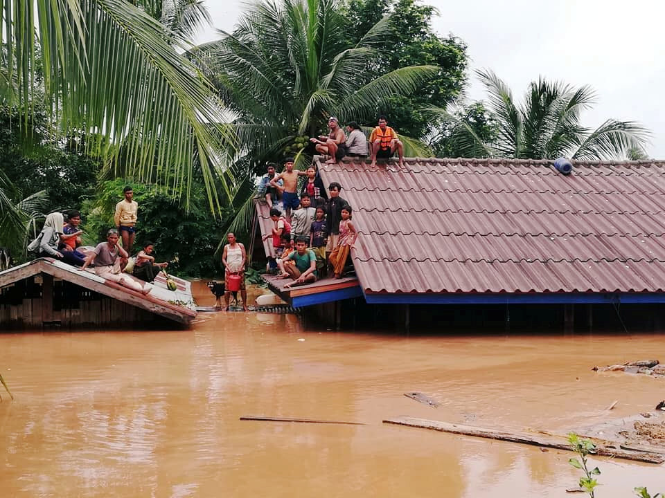 Villagers evacuate after the Xepian-Xe Nam Noy hydropower dam collapsed in Attapeu province, Laos July 24, 2018. ABC Laos News/Handout via REUTERS